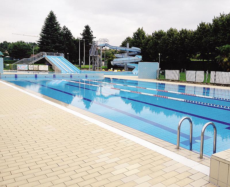Merate piscina vuota che estate il 90 in meno cronaca merate - Piscina di barzano ...