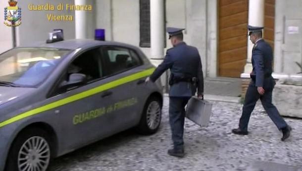 Vicenza: false fatture per 1 miliardo, 29 arresti