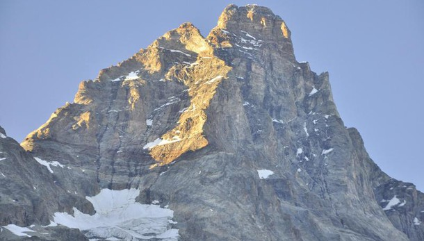 Alpinisti morti sul Cervino, incidente causato da scarica di sassi