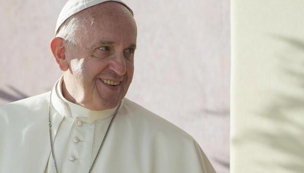Papa: visita giovani ex preti e famiglie