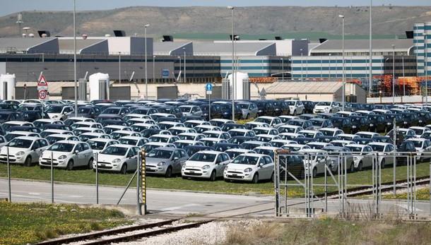Mercato auto Italia ottobre 2016 chiude a +9,8%