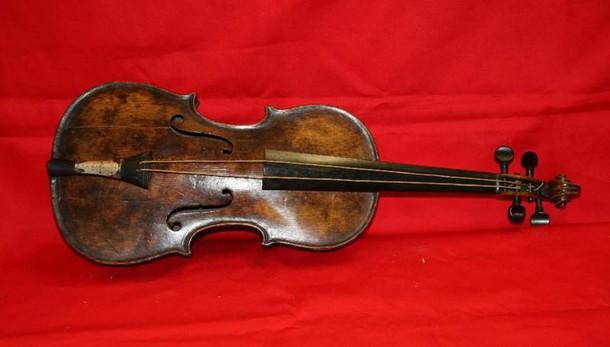 Prezioso violino rubato sul treno