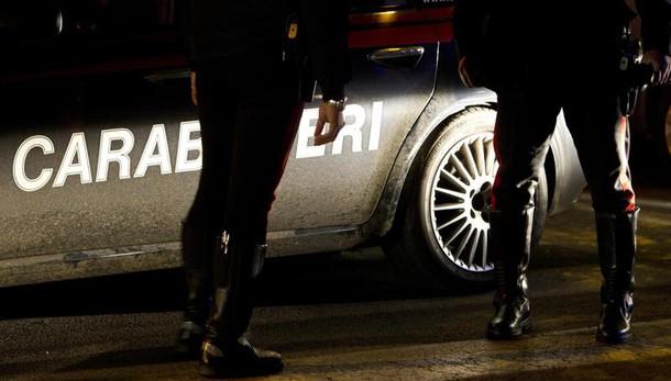 Ostia, si spara durante una perquisizione domiciliare: grave 34enne
