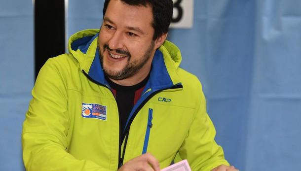 Referendum: Salvini, su voto italiani all'estero vigili Onu, solo lì vince sì