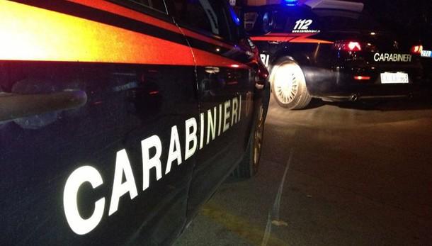Bologna, donna sgozzata nel salotto di casa: il marito sentito dai carabinieri