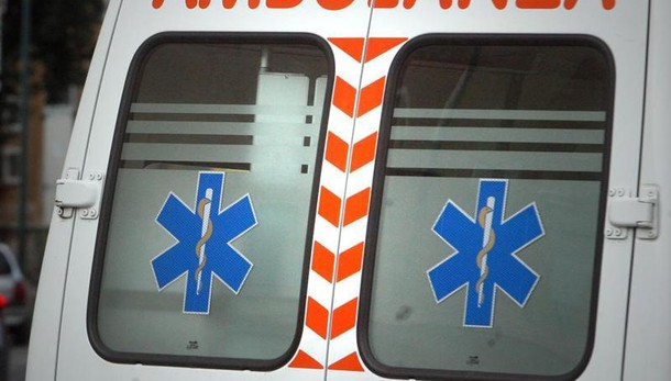 Tragico incidente stradale sulla Statale 7bis a Nola, tir travolge operai
