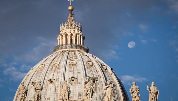 Riciclaggio: circa 5 mila conti sospetti della Banca Vaticana