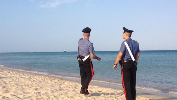 Ravenna, 18enne violentata durante una festa in spiaggia