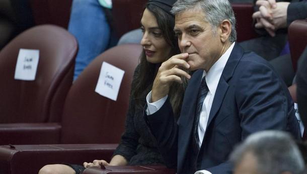 Gere e Clooney premiati davanti al Papa