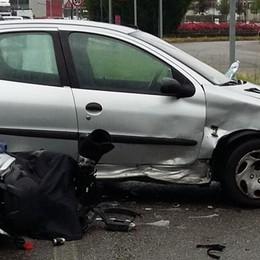 Terribile incidente, grave il motociclista