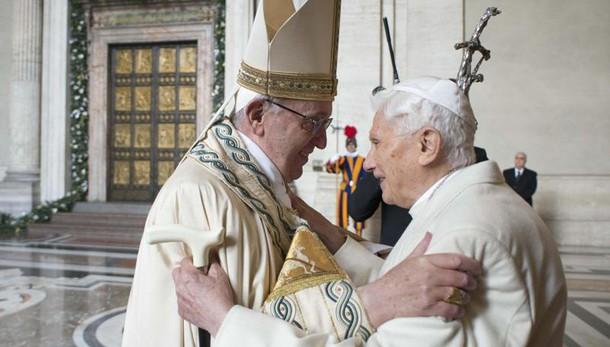 La rosa bianca di Papa Francesco ai martiri armeni