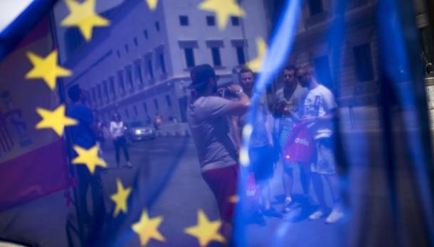 Ok della Commissione Ue al sostegno governativo per le banche italiane