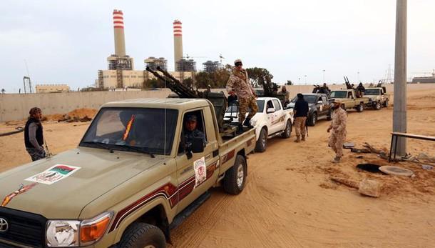 Isis in ritirata, i miliziani governativi entrano a Sirte