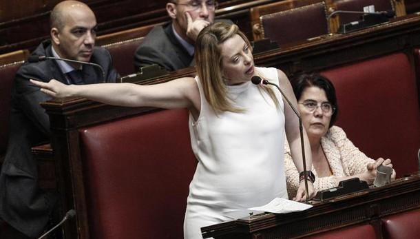 Renzi: un errore personalizzare referendum. A poveri soldi risparmiati