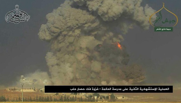 Curdi, Damasco bombarda gli anti-Isis