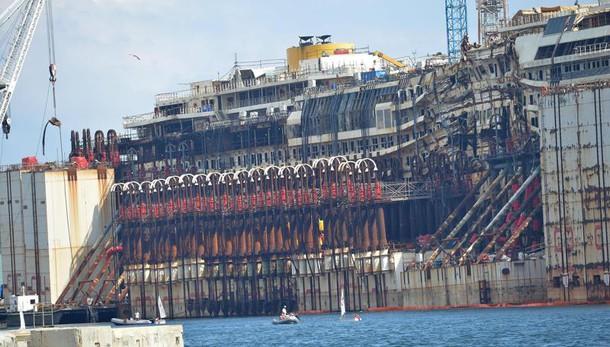 Costa Concordia, ultimo viaggio per lo smaltimento il 1° settembre