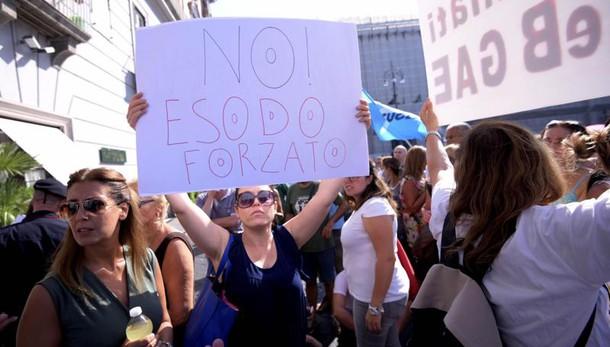Scuola, rivolta sui trasferimenti: alta tensione a Napoli