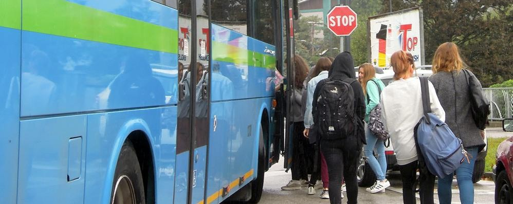 Erba l autobus non aspetta uscita anticipata per 80 - Liceo carlo porta erba ...