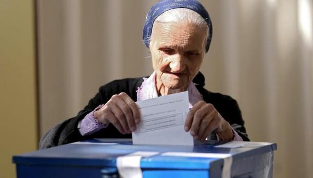 Bosnia: serbi votano in referendum su Festa nazionale