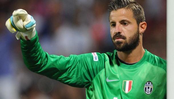 Serie A, Cagliari: lesione al menisco per Marco Storari