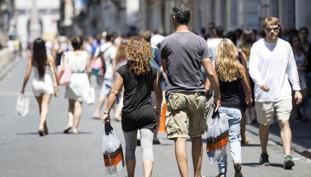 Istat: a settembre migliora fiducia imprese