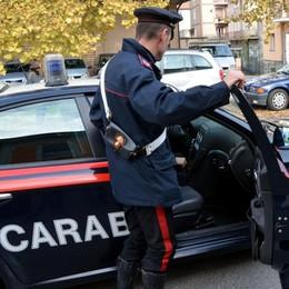 Palpeggiava dipendenti  Arrestato esercente