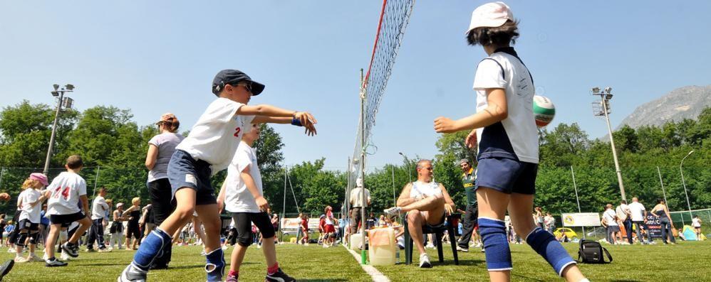 «Nessuno tocchi il centro sportivo»  A Galbiate parte la petizione