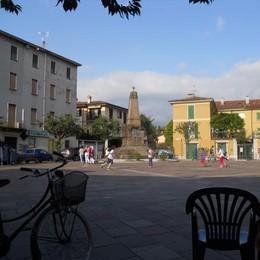 Oggiono, una petizione  per riqualificare piazza Manzoni