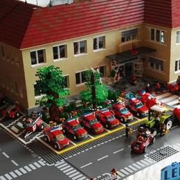 Tutti pazzi per i mattoncini Lego  A Calolziocorte costruzioni capolavoro