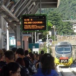 Salvi due treni della Milano-Asso  Pendolari, agosto meno amaro