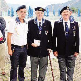 Festa per i marinai d'Italia lecchesi  Premiato lo storico presidente Crippa