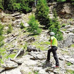 Il rischio frana allenta la morsa  Riaperta la strada sotto il Ruinon