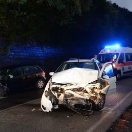 Scontro frontale a Lierna  Due feriti e le vetture distrutte