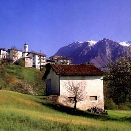 Un tesoro di alpeggi, boschi e malghe  Patto con la Svizzera per valorizzarlo
