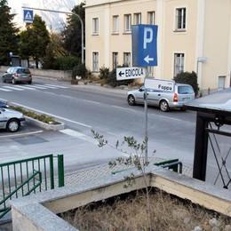 Pericoli mortali a Garlate  Il sindaco: «Sciacallaggio»