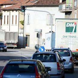 Il semaforo-tappo scuote Vercurago  Summit a Calolziocorte per risolvere