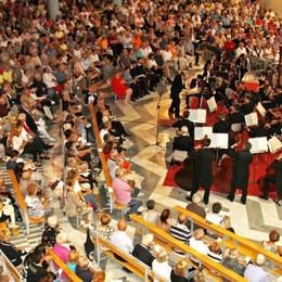 Concerto di mezza estate ad Aprica  Sul palco orchestra e corale di Gessate