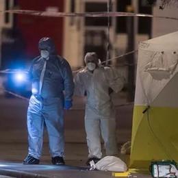 Terrore a Londra, uccisa una donna  Preso un giovane: «Isis? Non si sa»