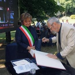 Erba, cittadinanza onoraria a Frigerio  «È una stella di prima grandezza»