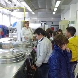 Un menù completo a 4 euro  «Anziani, approfittatene»