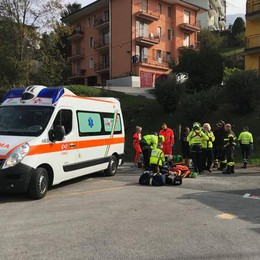 Canzo, travolto dal suo furgone  Imbianchino in gravi condizioni