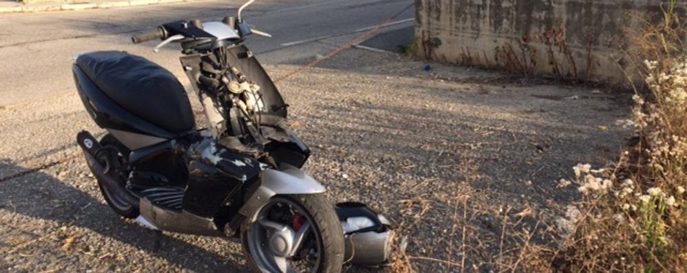 Scontro fra auto e scooter  Grave un uomo di 68 anni
