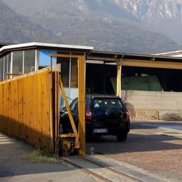 Cattivi odori a Valmadrera, sempre peggio  Il sindaco: «Serve un'urgente verifica»