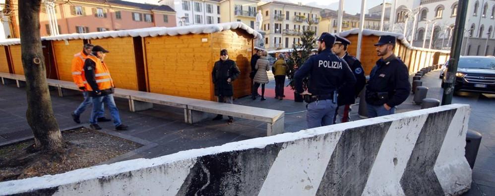 A Lecco i cartelli turistici   contro i terroristi