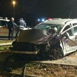 Osnago, i freni vanno in tilt   Camion contro auto, quattro feriti