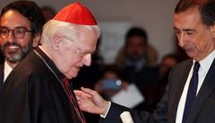 Ambrogino e grande medaglia d'oro  Milano ha premiato il cardinale Scola