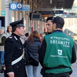 L'aggressione in centro Lecco «Mia figlia sotto choc»