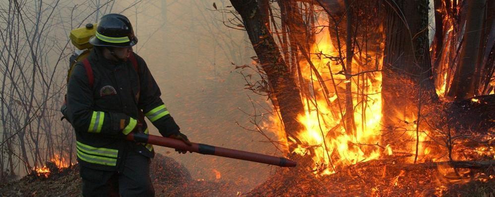 Incendio doloso a Esino   Ci sono sempre meno dubbi