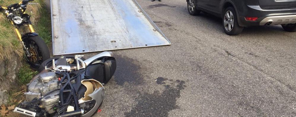 Incidente sulla Lecco Ballabio   La moto si spezza in due