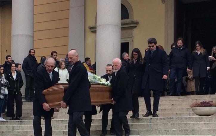 Missaglia, ultimo saluto  ad Andrea Borghi  Il sacerdote: «Il  bene è  per sempre»